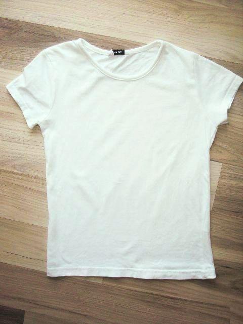 3a683e998be Bílé triko bez potisku